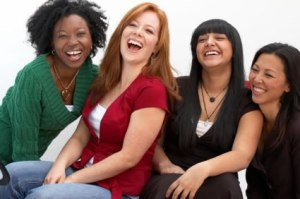happy_women-multicultural_group